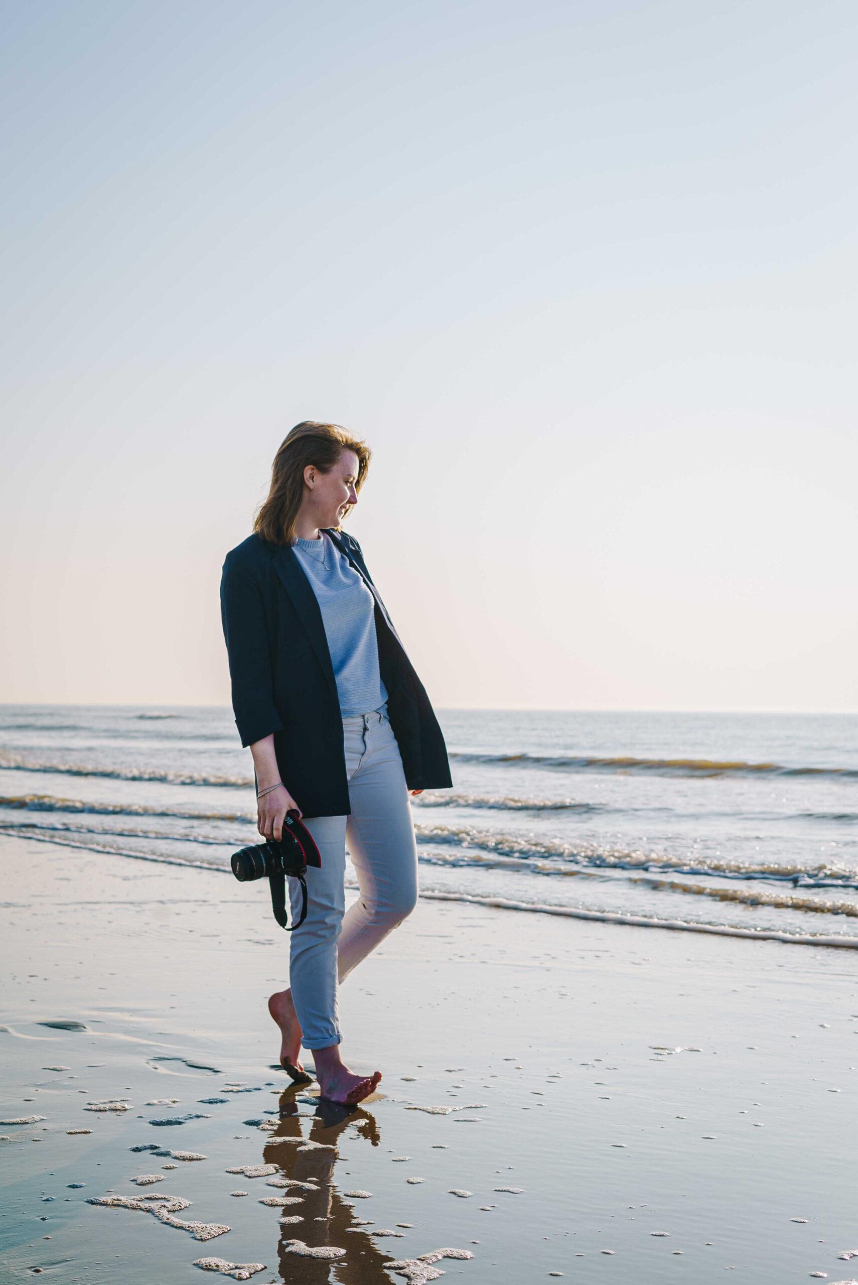 Foto van mezelf met camera op het strand van Zandvoort